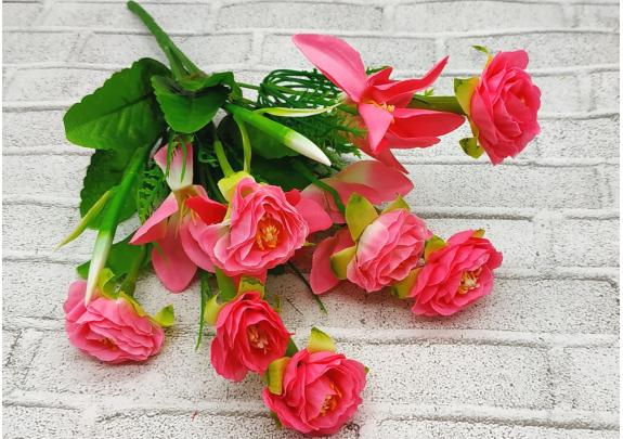 Букет средний Z001-13 цветы/7бутонов/30см